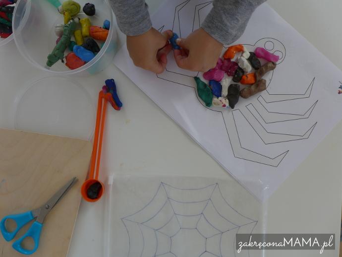 """""""Pajączek"""" Eric Carle - pomysły na zabawy - kolorowanie pająka plasteliną"""