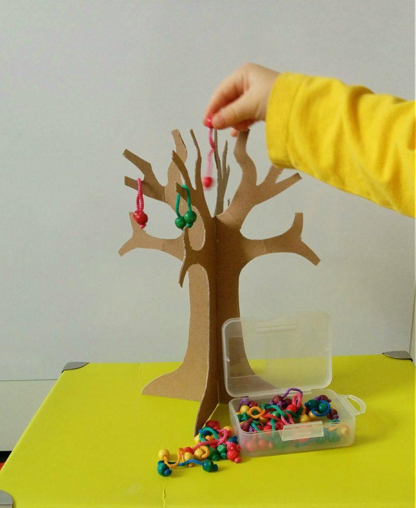 Gra dla dzieci drzewo